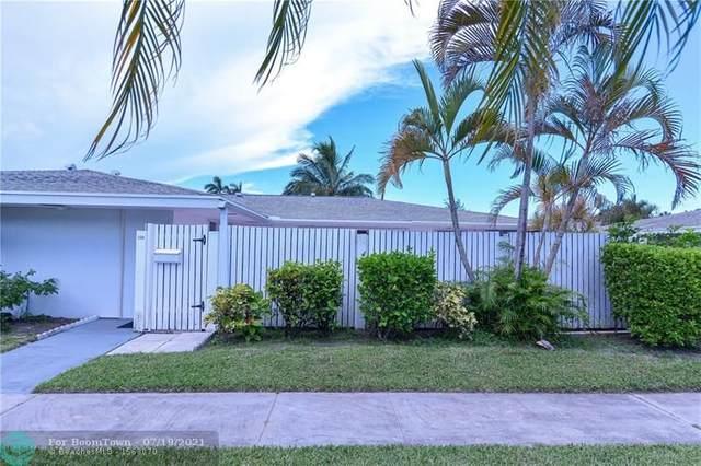 126 West Ct, Royal Palm Beach, FL 33411 (MLS #F10293476) :: Castelli Real Estate Services