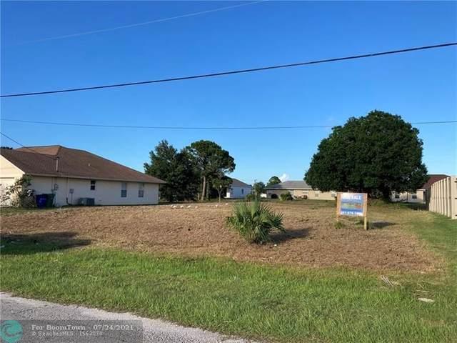 3949 Sw Kamsler St, Port Saint Lucie, FL 34953 (MLS #F10294014) :: Castelli Real Estate Services