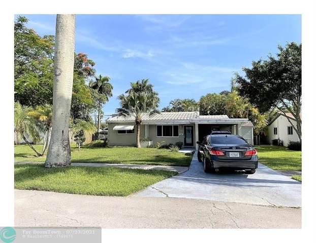 3234 Grant St, Hollywood, FL 33021 (MLS #F10294163) :: Berkshire Hathaway HomeServices EWM Realty