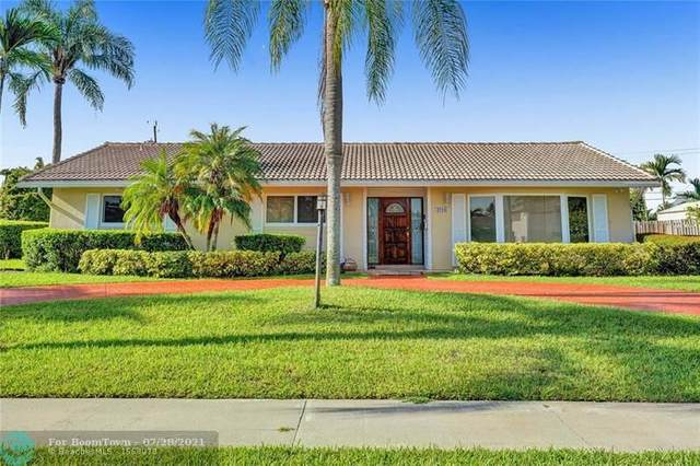4916 Buchanan St, Hollywood, FL 33021 (MLS #F10294325) :: The Howland Group