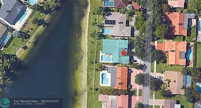 14210 Cypress Ct, Miami Lakes, FL 33014 (MLS #F10294486) :: Berkshire Hathaway HomeServices EWM Realty