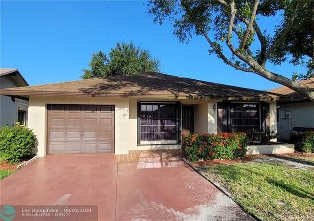1716 SW 19th Ave, Deerfield Beach, FL 33442 (MLS #F10295349) :: Berkshire Hathaway HomeServices EWM Realty