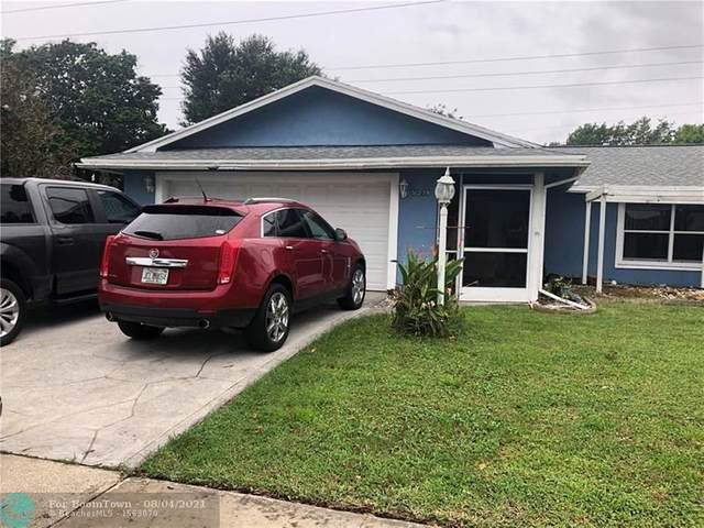 5279 Woodstone Cir, Lake Worth Beach, FL 33463 (#F10295515) :: Treasure Property Group