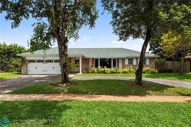 700 SW 55th Ave, Plantation, FL 33317 (MLS #F10300543) :: Castelli Real Estate Services