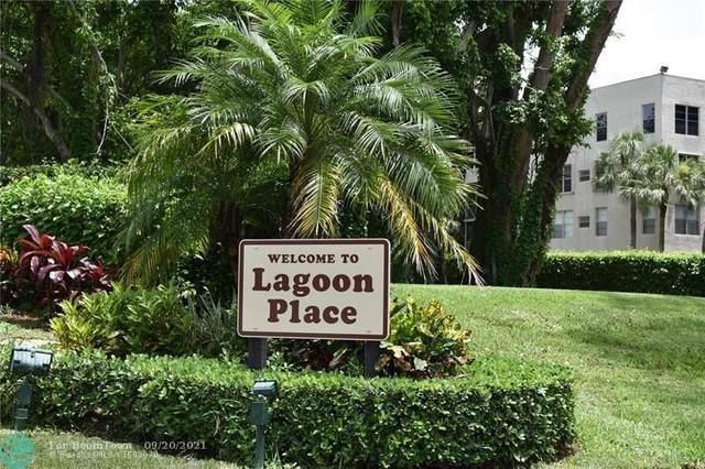 9230 Lagoon Pl #215, Davie, FL 33324 (MLS #F10301577) :: United Realty Group
