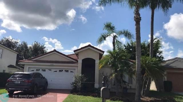 1620 Lakefield North Ct, Wellington, FL 33414 (#F10302169) :: Michael Kaufman Real Estate