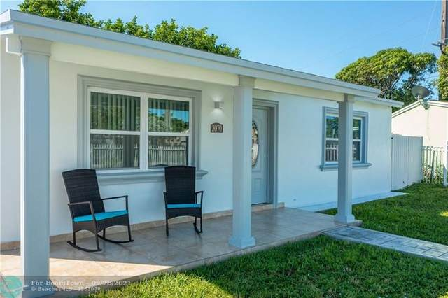 3070 NW 17th Ct, Fort Lauderdale, FL 33311 (MLS #F10302231) :: Green Realty Properties