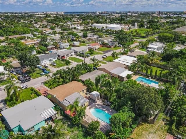 702 W Bloxham St, Lantana, FL 33462 (MLS #F10302276) :: Adam Docktor Group