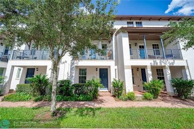 2555 SW 118th Way, Miramar, FL 33025 (MLS #F10302494) :: Green Realty Properties