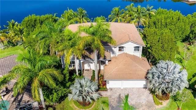 926 Marina Dr, Weston, FL 33327 (MLS #F10303207) :: Castelli Real Estate Services