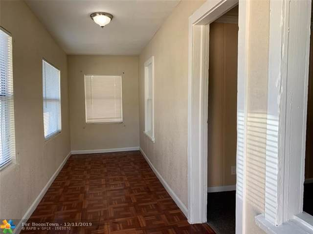 712 20th St, West Palm Beach, FL 33407 (MLS #H10781427) :: Green Realty Properties