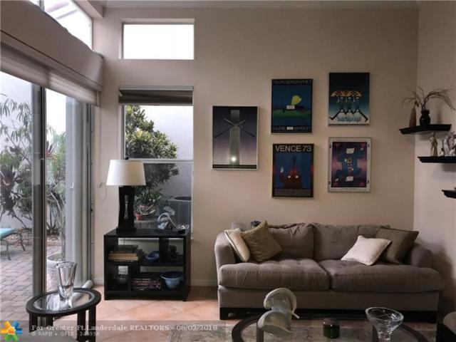 1135 Papaya St, Hollywood, FL 33019 (MLS #F10134250) :: Green Realty Properties
