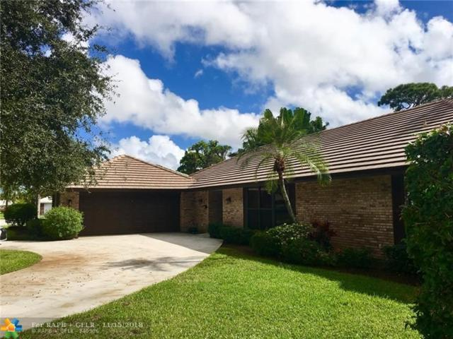 458 S Country Club Dr, Atlantis, FL 33462 (MLS #F10149885) :: Green Realty Properties