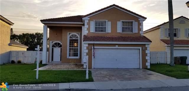 561 Royal Palm Way, Davie, FL 33325 (MLS #F10182303) :: Green Realty Properties