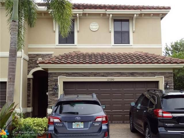 12390 N Village Cir, Davie, FL 33325 (MLS #F10185162) :: The O'Flaherty Team