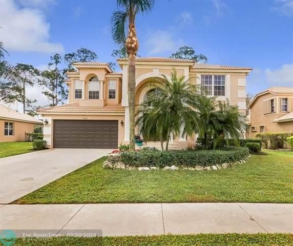 15810 Glen Willow Ln, Wellington, FL 33414 (MLS #F10217475) :: Berkshire Hathaway HomeServices EWM Realty
