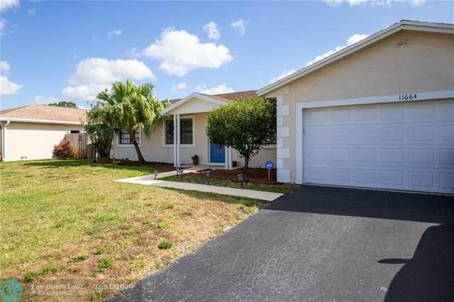 11664 SW 57th St, Cooper City, FL 33330 (MLS #F10222108) :: United Realty Group