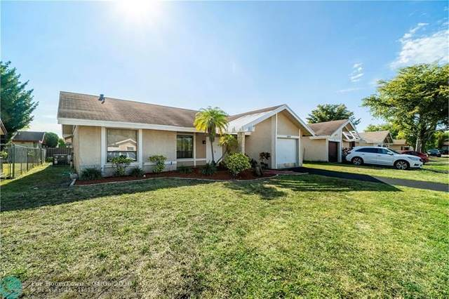 1404 SW 83RD AVE, North Lauderdale, FL 33068 (MLS #F10224451) :: The Howland Group