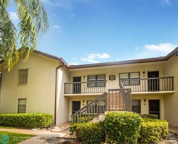 7625 Tahiti Lane #201, Lake Worth, FL 33467 (MLS #F10231989) :: Berkshire Hathaway HomeServices EWM Realty