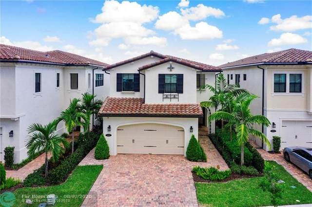 345 SW 113th Ln, Pembroke Pines, FL 33025 (MLS #F10242705) :: Laurie Finkelstein Reader Team