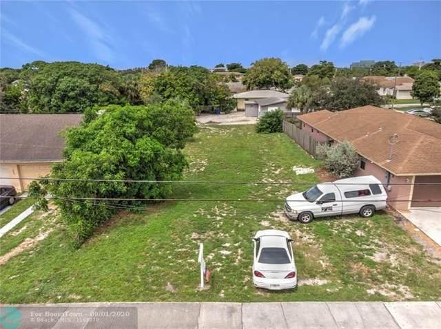 267 SW 1st Ter, Deerfield Beach, FL 33441 (MLS #F10243838) :: Berkshire Hathaway HomeServices EWM Realty