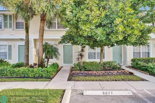 9977 NW 57th Manor, Coral Springs, FL 33076 (MLS #F10244101) :: Berkshire Hathaway HomeServices EWM Realty