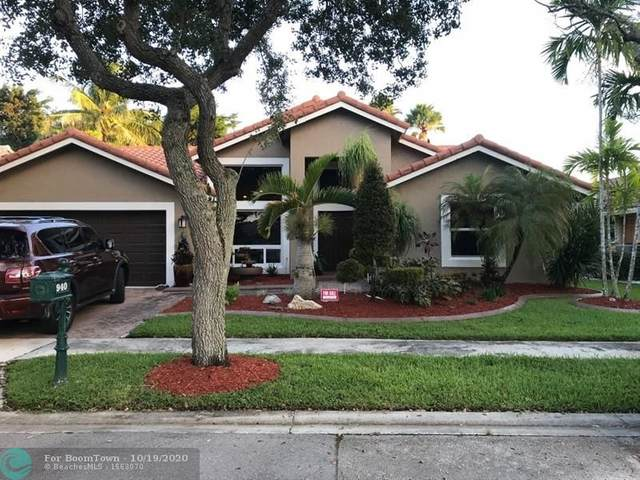 940 Lakewood Ct, Weston, FL 33326 (MLS #F10254340) :: Castelli Real Estate Services