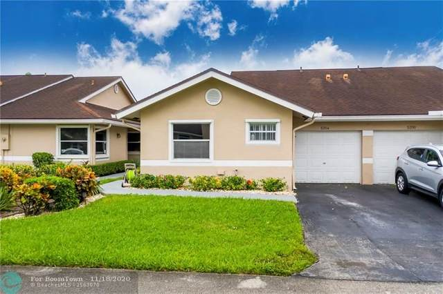 5204 W Lakes Dr, Deerfield Beach, FL 33442 (MLS #F10257937) :: Castelli Real Estate Services