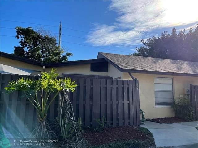 225 Briarwood Cir 3-11, Hollywood, FL 33024 (MLS #F10265735) :: Green Realty Properties