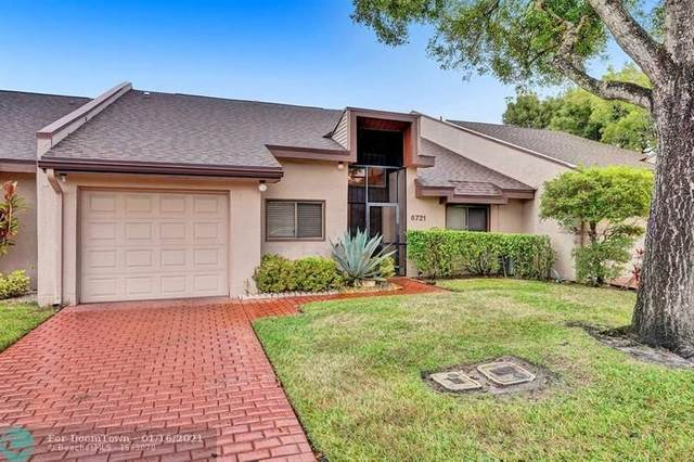 6721 Versailles Ct, Lake Worth, FL 33467 (MLS #F10266479) :: Green Realty Properties