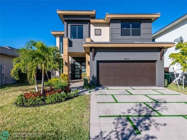 8933 NW 160th Ter, Miami Lakes, FL 33018 (MLS #F10266846) :: Berkshire Hathaway HomeServices EWM Realty