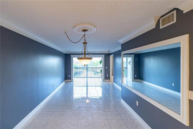2236 N Cypress Bend Dr #511, Pompano Beach, FL 33069 (MLS #F10270746) :: Green Realty Properties