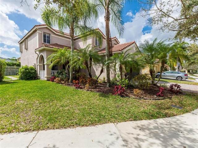 1324 Banyan Way, Weston, FL 33327 (MLS #F10272168) :: United Realty Group
