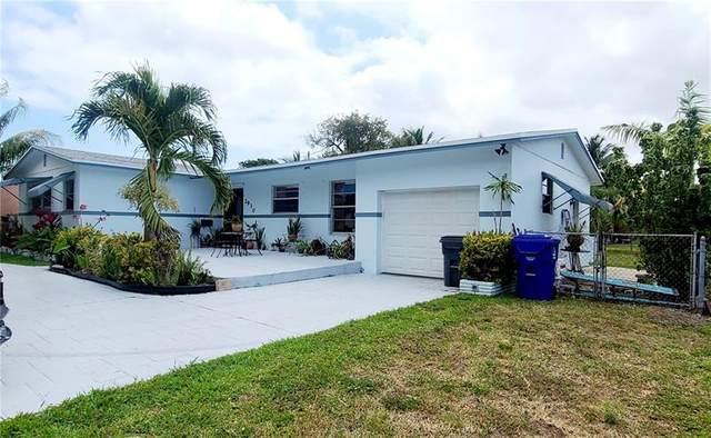 2930 Madison St, Hollywood, FL 33020 (MLS #F10279832) :: The Howland Group