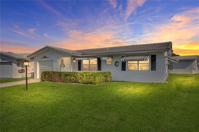 2013 Vastine Dr, Boynton Beach, FL 33426 (MLS #F10280004) :: The Paiz Group