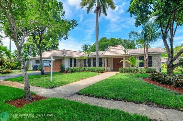 3921 N 40th Ave, Hollywood, FL 33021 (MLS #F10281154) :: The Howland Group