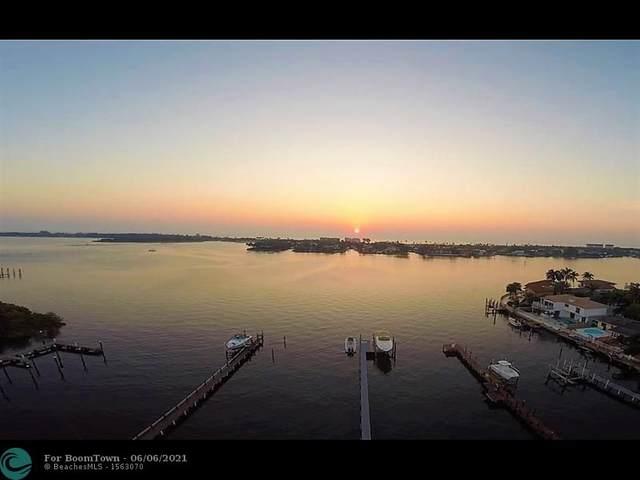 695 NE 15th Pl, Boynton Beach, FL 33435 (MLS #F10287582) :: Berkshire Hathaway HomeServices EWM Realty