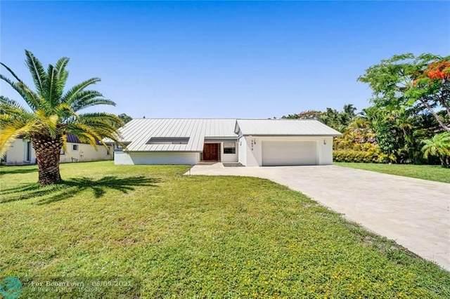 3070 Estates Dr, Pompano Beach, FL 33069 (MLS #F10287592) :: Berkshire Hathaway HomeServices EWM Realty