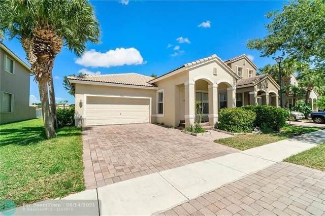 6664 Lurais Dr, Lake Worth, FL 33463 (MLS #F10288524) :: Castelli Real Estate Services