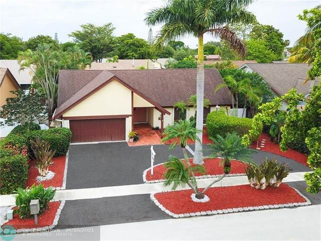 2400 NW 102nd Way, Pembroke Pines, FL 33026 (MLS #F10289625) :: Green Realty Properties