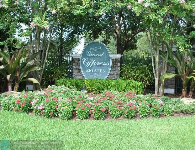 6279 NW 92nd Ave, Parkland, FL 33067 (MLS #F10293823) :: Patty Accorto Team