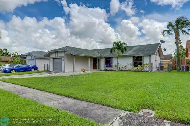 7518 SW 7th St, North Lauderdale, FL 33068 (MLS #F10298987) :: Green Realty Properties