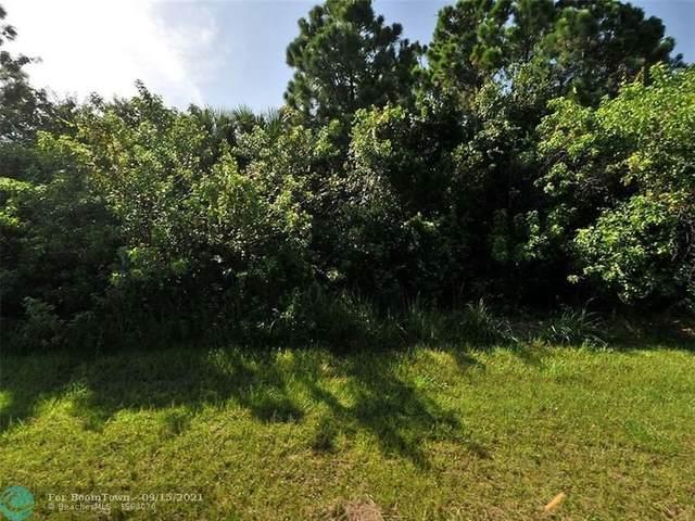 2399 SW Kent Cir, Port Saint Lucie, FL 34953 (#F10299445) :: Heather Towe | Keller Williams Jupiter
