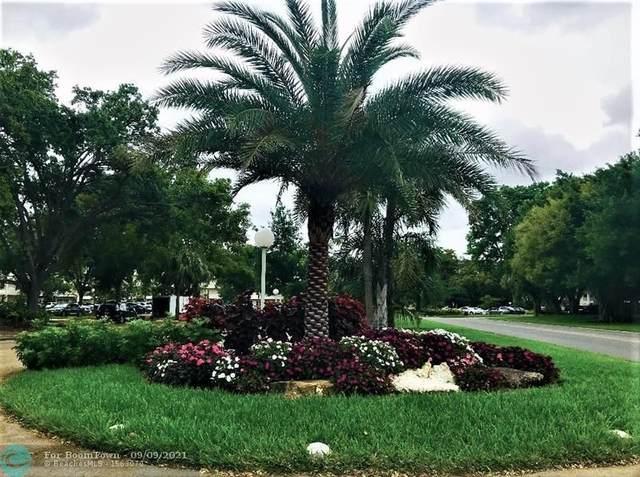 565 Oaks Ln #212, Pompano Beach, FL 33069 (#F10299770) :: Heather Towe   Keller Williams Jupiter