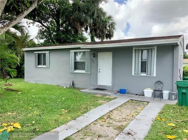 841 NW 34th Ave, Lauderhill, FL 33311 (MLS #F10300016) :: Castelli Real Estate Services