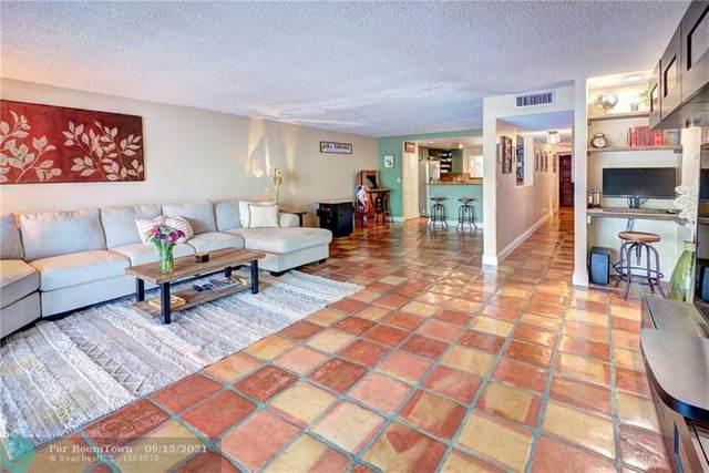 209 Jacaranda Dr #4, Plantation, FL 33324 (MLS #F10300817) :: Berkshire Hathaway HomeServices EWM Realty