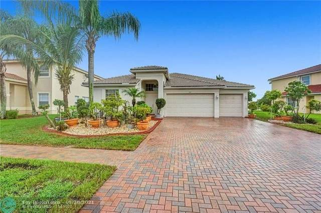 114 Tuscany Dr, Royal Palm Beach, FL 33411 (MLS #F10301849) :: Castelli Real Estate Services