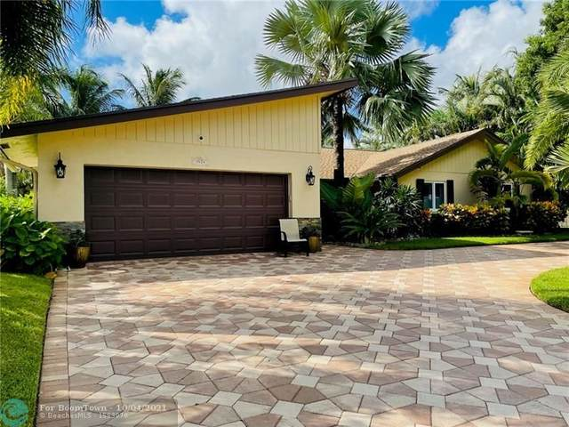 3524 Lakeview Dr, Delray Beach, FL 33445 (MLS #F10302825) :: Castelli Real Estate Services