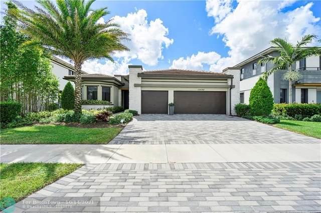 10592 N Lago Vista Cir, Parkland, FL 33076 (MLS #F10304417) :: Castelli Real Estate Services