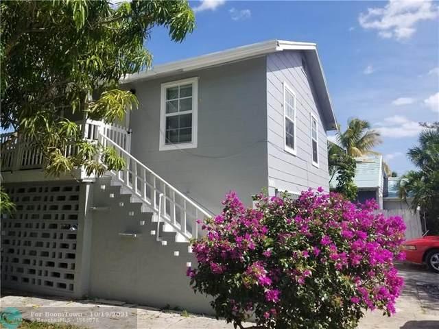 909 Upland Rd, West Palm Beach, FL 33401 (MLS #F10304884) :: GK Realty Group LLC